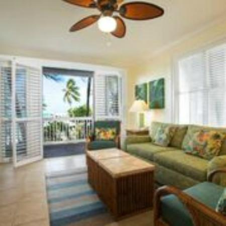 Coconut Beach Resort : One and Two Bedroom Suite