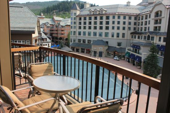 Park Plaza at Beaver Creek: Park Plaza Balcony With Ice Rink View