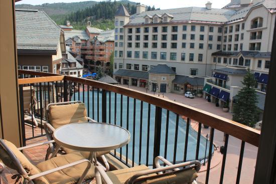 Park Plaza at Beaver Creek: Park Plaza Balcony With Ice Rink View