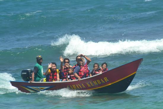 Ngandong Beach: Berperahu selama 15 menit