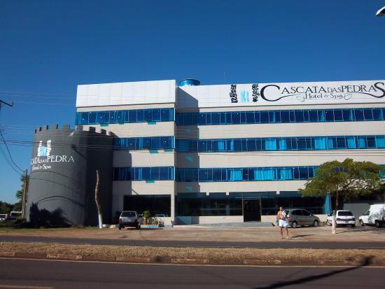 Hotel Cascata Das Pedras: frente del hotel