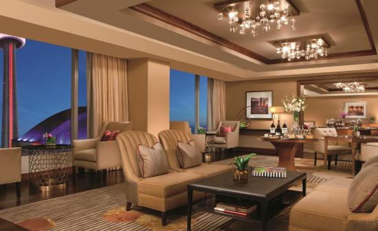 The Ritz-Carlton, Toronto: Club Lounge