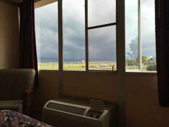 Days Inn Colorado City : An open window in a hotel, wonderful!