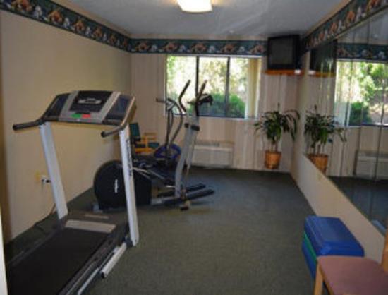 Baymont Inn & Suites Midland: Fitness Room