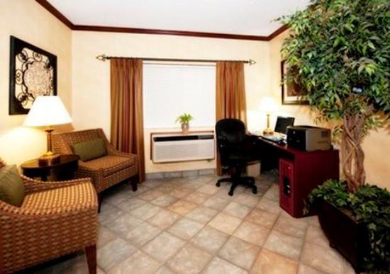 Quality Inn Denver Westminster: Business
