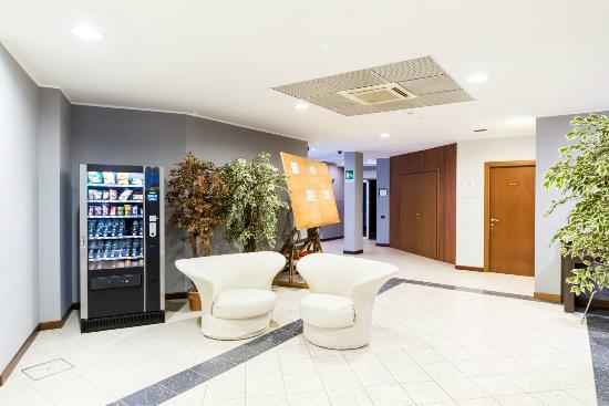 Bagnatica Italy  city photos gallery : ... free WiFi Picture of Airport Hotel Bergamo, Bagnatica TripAdvisor