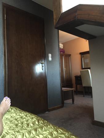 Hotel Ester: Enkeltrom=suite! 🎉✨💫