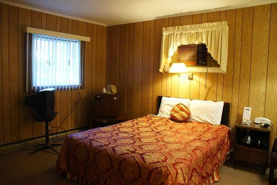 Gentleman Johnny's Motel: Comfortable Bed