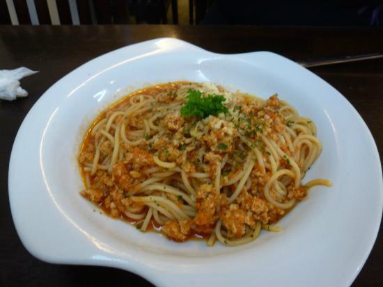 foodlover cafe pasta bolognese