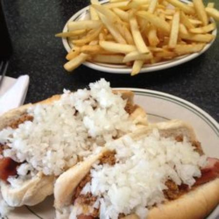 Ernie's Texas Lunch: Texas Weiner and fries