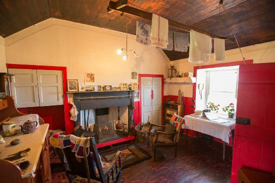 Dunnet, UK: The Sitting Room (and bedroom)