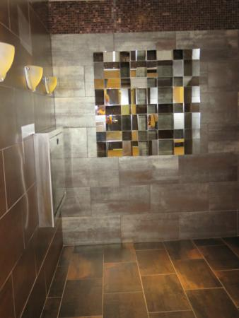 Quattro Hotel & Conf. Centre, an Ascend Hotel Collection Member: Lobby Restroom Entrance