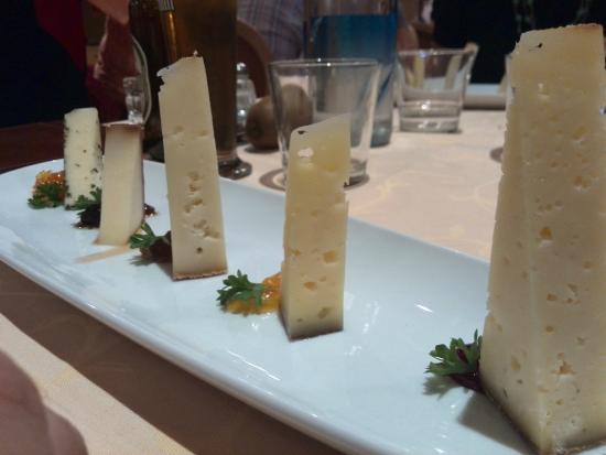 Hotel Rita & Spa: Assaggi di formaggi tipici