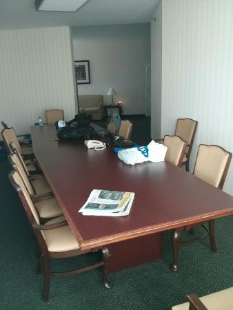 Hampton Inn by Hilton Ottawa : Suite 201 conference table - great storage!