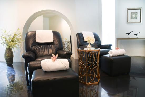 Urban Retreat Spa   Asok: Asoke Foot Massage Chairs