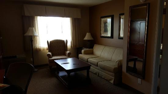 Best Western Resort Hotel & Conference Center: Living room(suite)