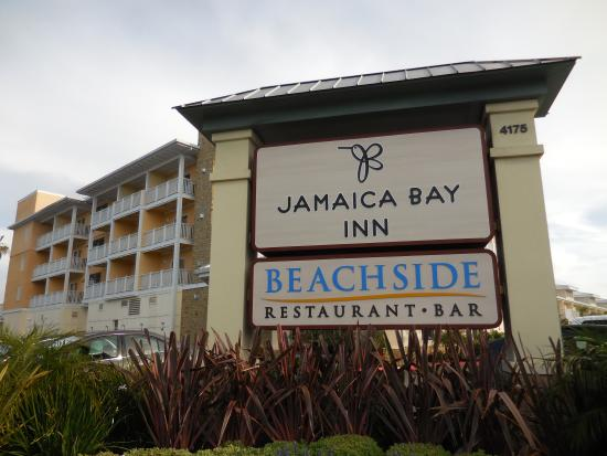 hotel grounds picture of jamaica bay inn marina del rey. Black Bedroom Furniture Sets. Home Design Ideas
