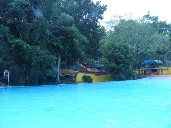 Las Cumbres Hotel & Water Park: Piscina Atlantis 7 pie su máxima profundidad
