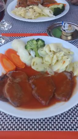 Il Cappuccino : Veal in red wine sauce