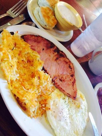 Youngblood's Cafe: Best breakfast!!!