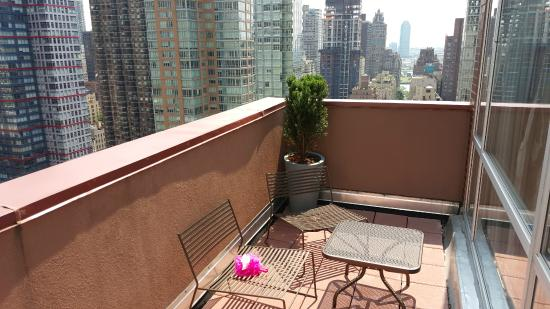 Hilton Garden Inn New York/Manhattan Midtown East: Balcony Looking Towards  The East Design Ideas