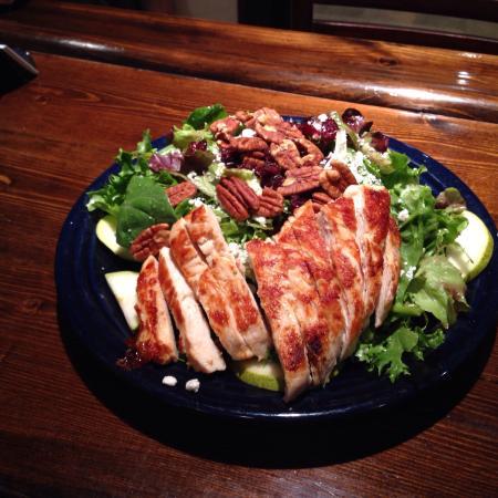 Ticino : Capra e pera salad with chicken breast