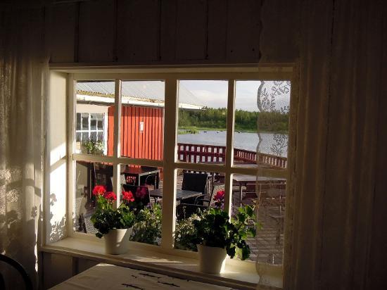 Мустасаари, Финляндия: Insideview, behind at seaside is lovely terrace