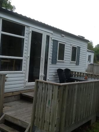 "Atlanten Motel: Frente da ""cabin/trailer"""