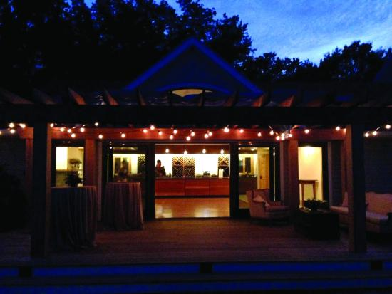 Stonington, CT: Tasting Room at night