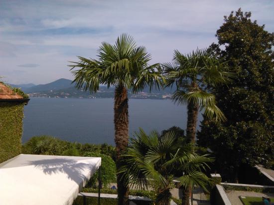 Hotel Villa Margherita : La vue depuis la terrasse sur le lac Majeur