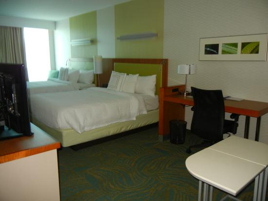 SpringHill Suites Kennewick Tri Cities: 2 Queen Room