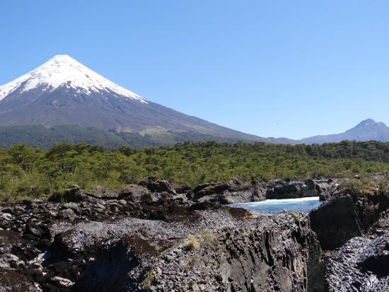 Parque Nacional Vicente Perez Rosales: os vulcões sempre presentes na paisagem