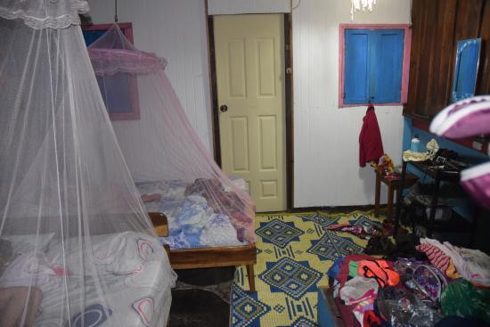 Walaba Hostel & Beach Houses: Inside room