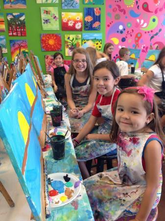 Masterpiece Mixers Paint & Party Studio: Kid Fun