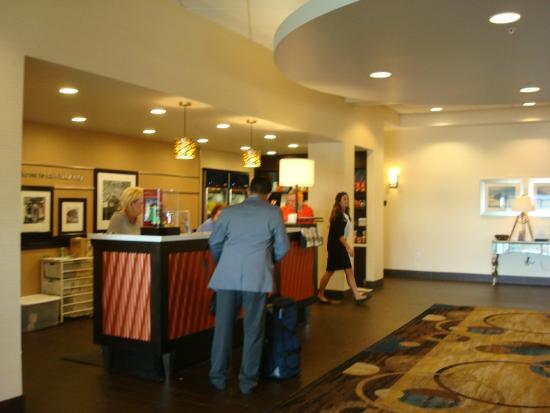 Hampton Inn Salt Lake City-Downtown: front desk