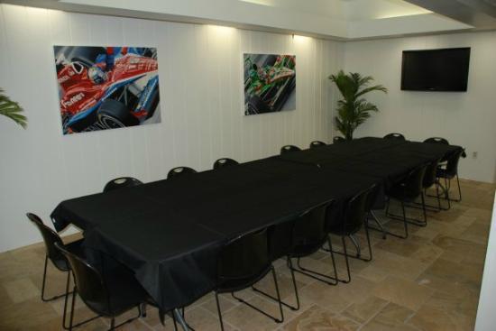Tampa Bay Grand Prix : EVENT ROOM