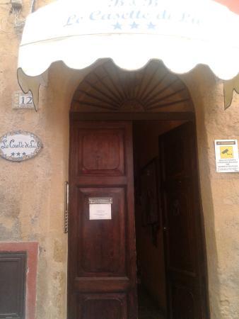 Le Casette di Lù: Entrada a la casa de Lía