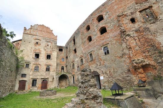 Zagorze Slaskie, Polen: Zamek od dziedzińca