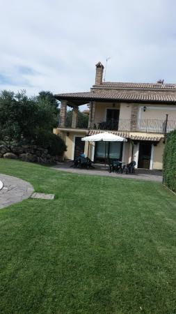 Il Vialetto Country House : View of the vila