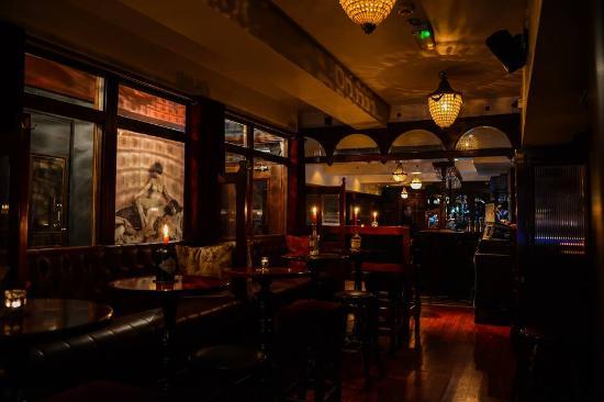 32 Marlboro Street Bar & Bistro