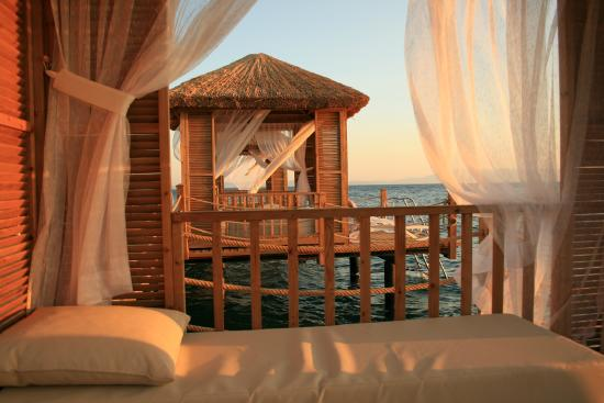 Ozdere, Turkey: Beach cabanas