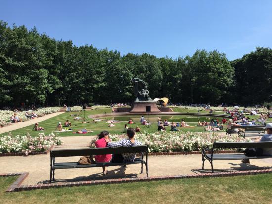 Parc Łazienki : Pomnik Chopina