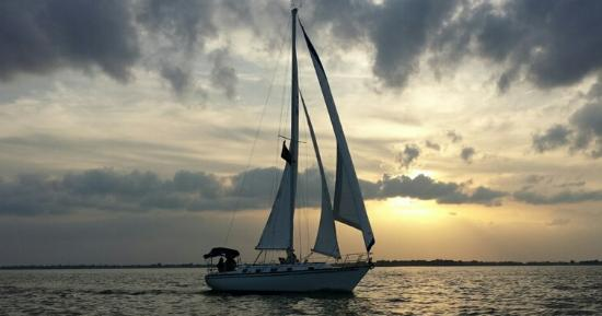 Oregon, OH: Lake Erie Sailing Charters