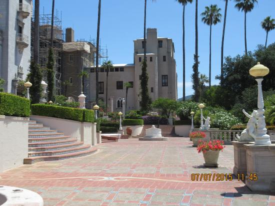 Sea Breeze Inn: Hearst castle