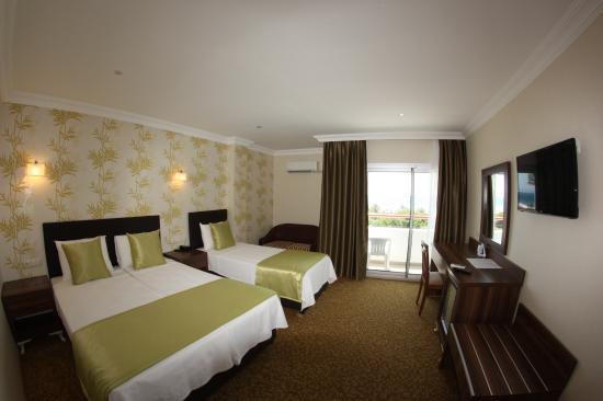 Hotel Billurcu: Superior Seaview Triple room