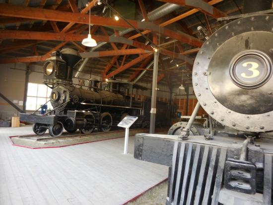 Dawson City Museum: Go to the Train demonstration...