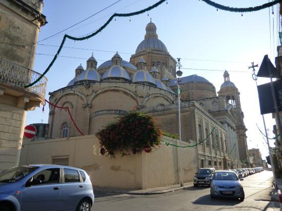 Paola, Malta: From Triq Il-Knisja