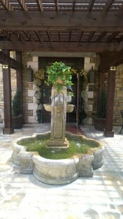 Sarah's Mediterranean Cuisine And Cafe : Fountain out front by courtyard
