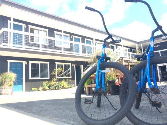 Ilwaco, WA: Bikes & Courtyard