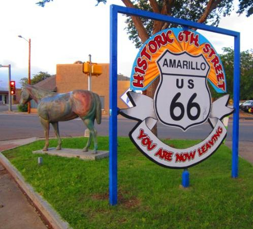 Route 66 Historic District: Love this nice, historic area - great shops, bars & restaurnats